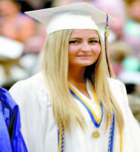 Graduate Arianna Aaskov