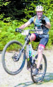 GOOD BALANCE  shown by cyclist Chad Savage of Auburn. (Photo by Sheila Weeman)